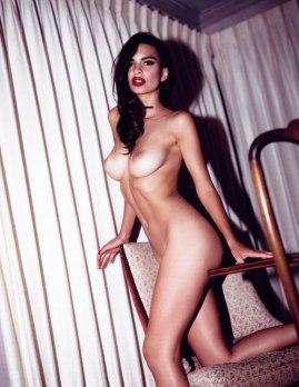 Emily-Ratajkowski-by-Jonathan-Leder-Polaroids-NSFW-Nude-15