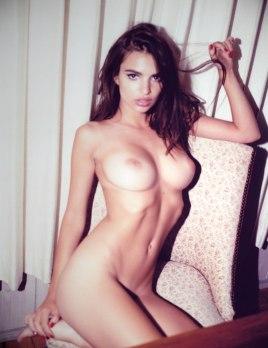 Emily-Ratajkowski-by-Jonathan-Leder-Polaroids-NSFW-Nude-16